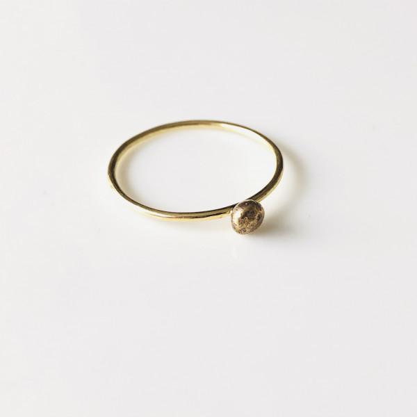 Zarter Ring mit Kugel 585 Gelbgold 54,5 von Goldkind