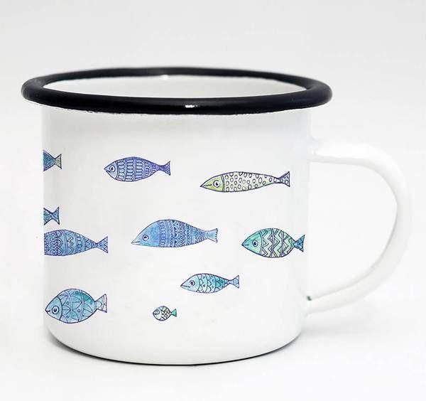 Tasse Emaille Fischschwarm von Ligarti