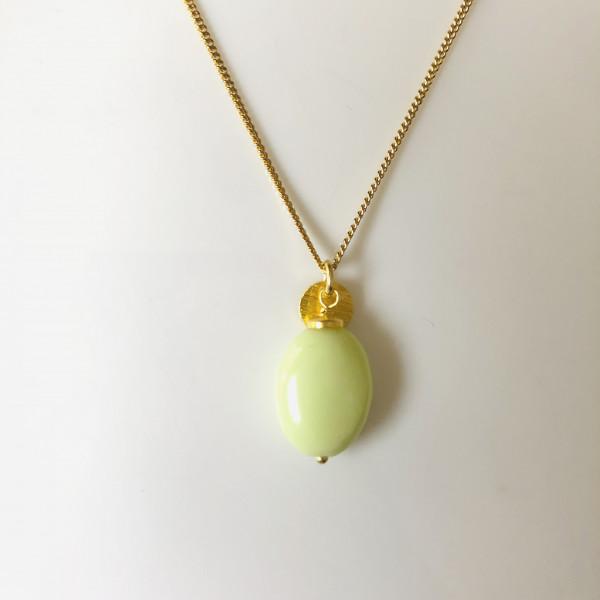 Kette Nr. 34 mit apfelgrünem Stein und Gold von Goldkind