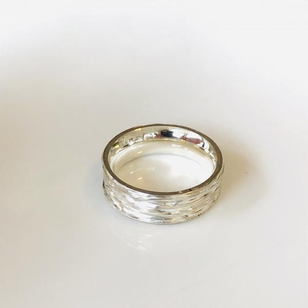 """Ring """"schief gewickelt"""" in Silber von Goldkind"""