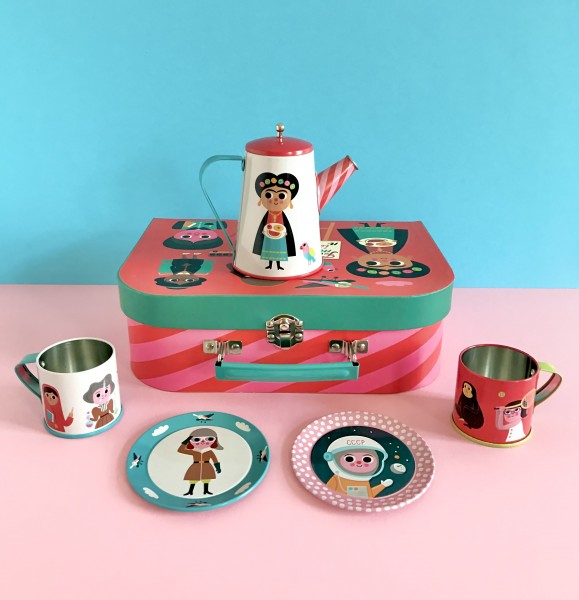 Tin Tea Set Feminist von Omm Design