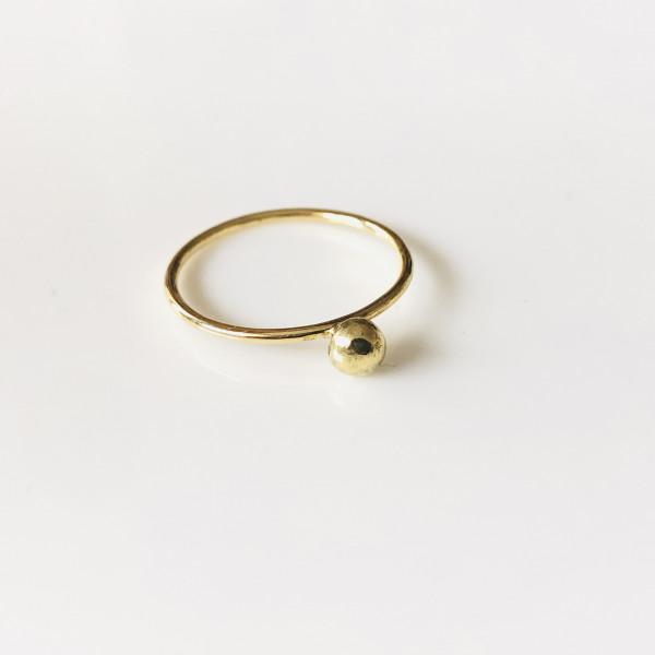 Zarter Ring mit Kugel 585 Gelbgold 48 von Goldkind