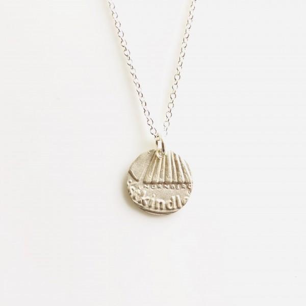 """Christkindlesmarkt Schmuck """"Rock"""" klein Silber mit Silberkette von Goldkind"""